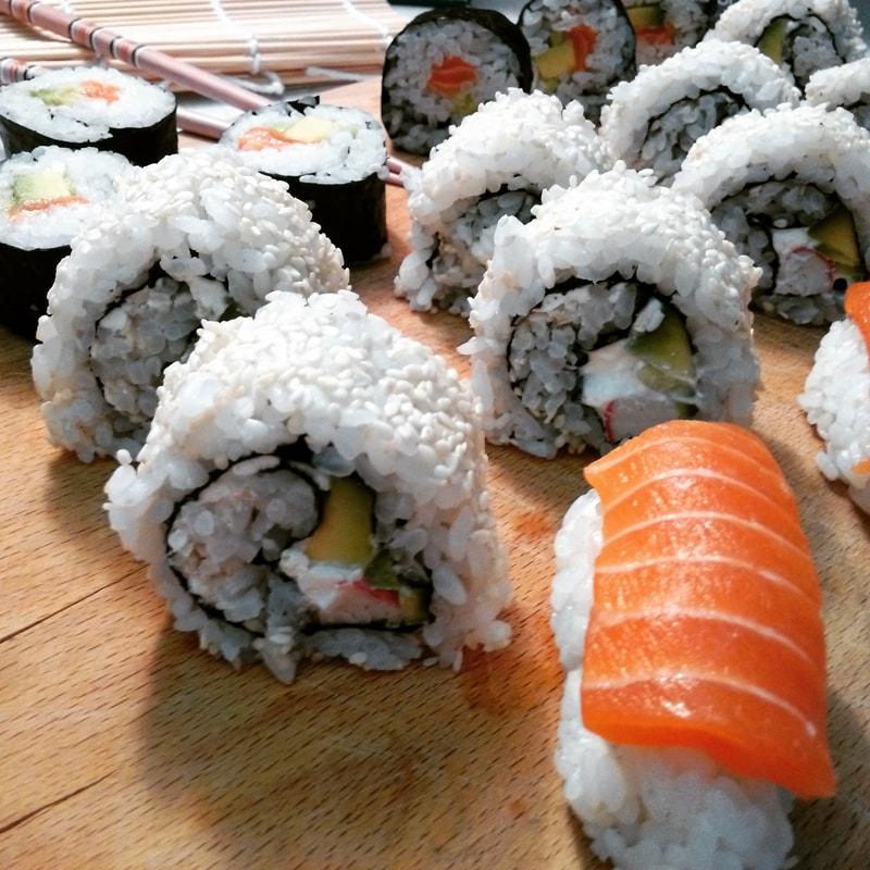 Fitness sushi - maki, nigiri a california rolls - zdravý recept Bajola