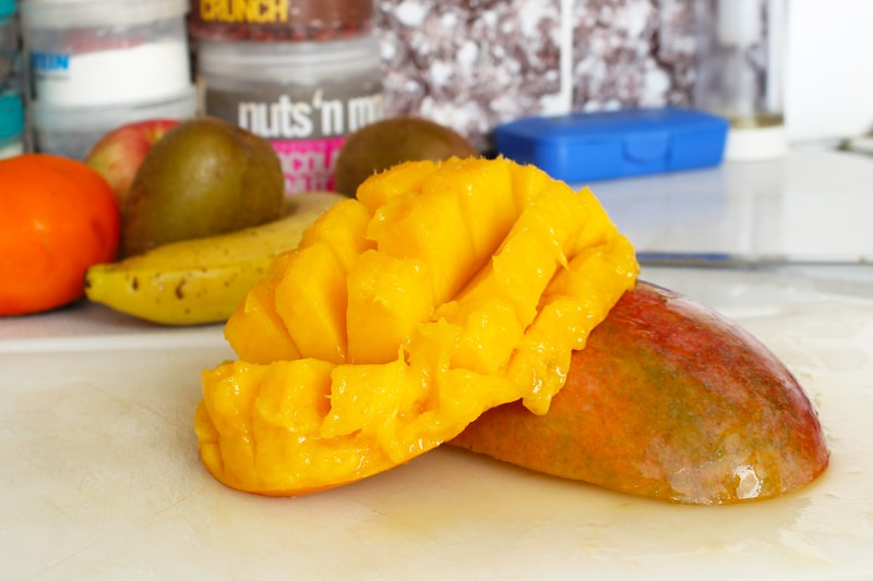 Jak oloupat a nakrájet mango