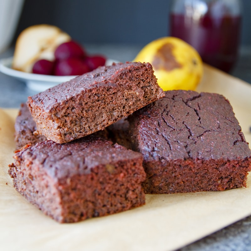 Zdravé brownies řepa hrušky - recept Bajola