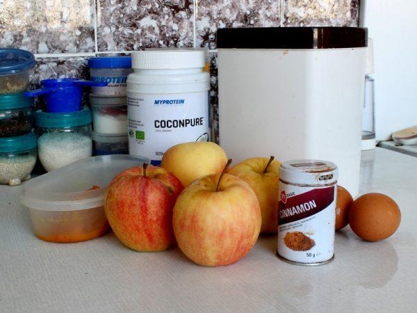 Ingredience na fitness hraběnčin koláč