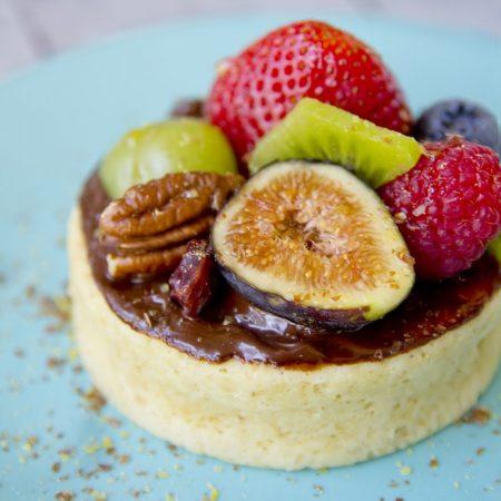 Fit jogurtový mugcake - mini dortík z mikrovlnky - recept Bajola