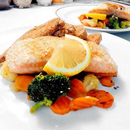 Fitness losos v sezamu zdravý recept Bajola