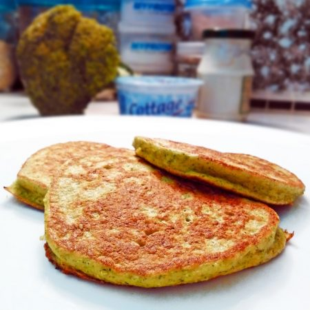 Fitness brokolicové placky - zdravý recept Bajola