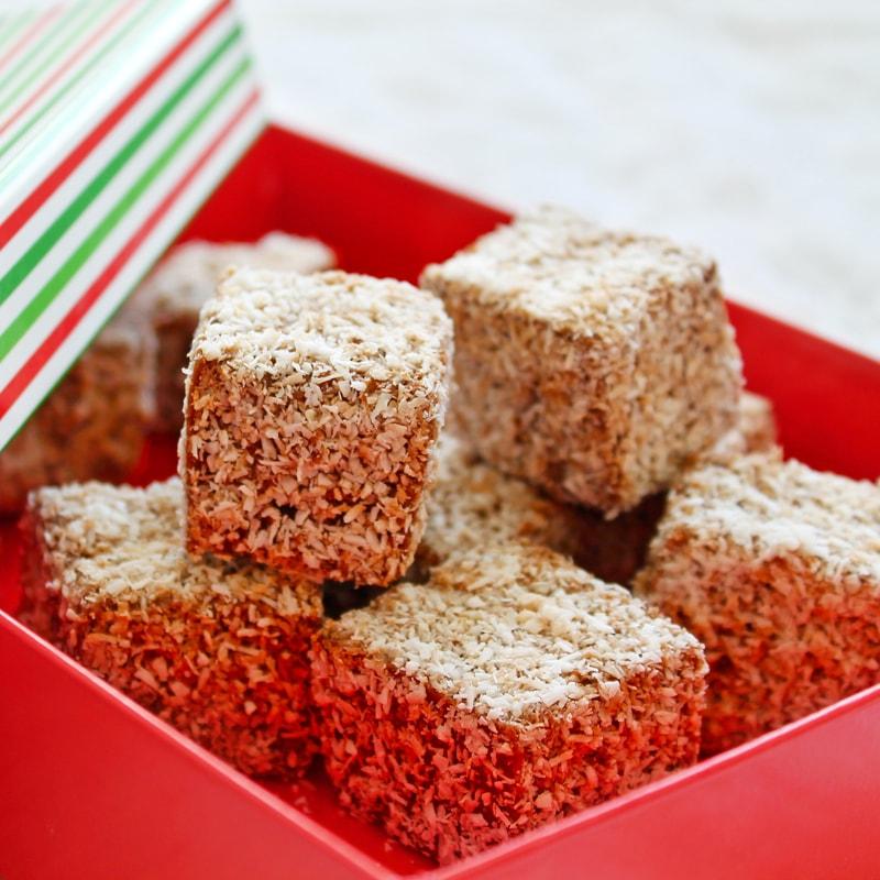 Fitness kokosoví ježci - vánoční cukroví - zdravý recept Bajola