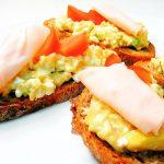 Fitness rychlá avokádová pomazánka - zdravý recept Bajola