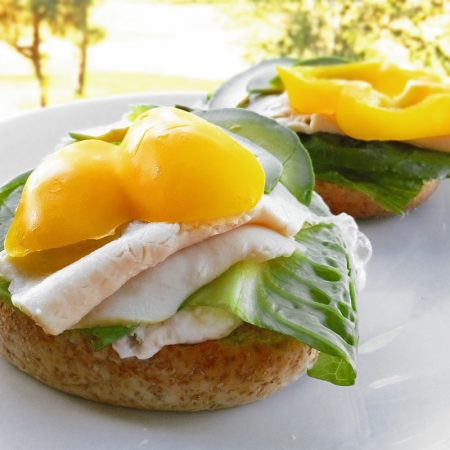 Fitness bagel s krůtí šunkou - zdravý recept Bajola