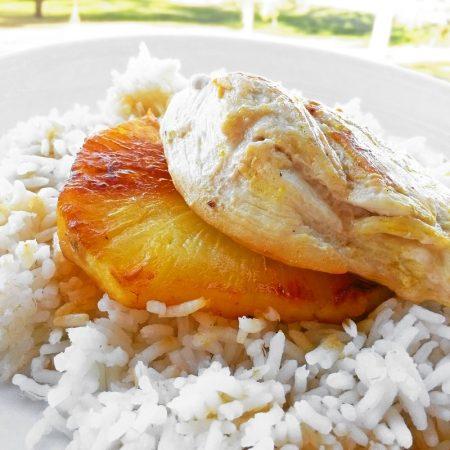 Fitness kuřecí prsa na ananasu - zdravý recept Bajola