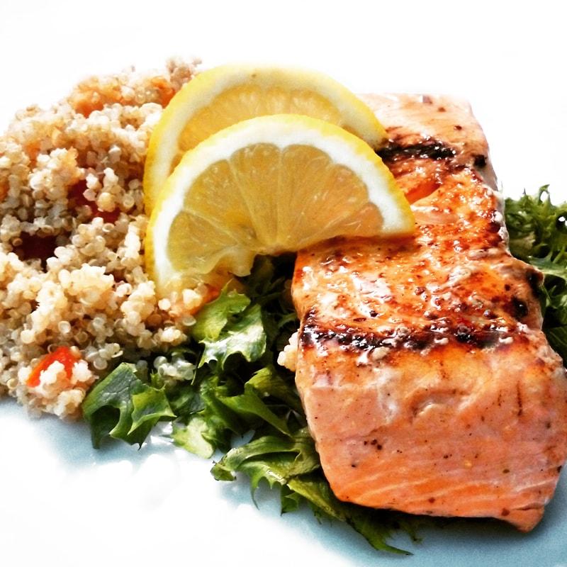 Fitness steak z lososa a quinoa - zdravý recept Bajola