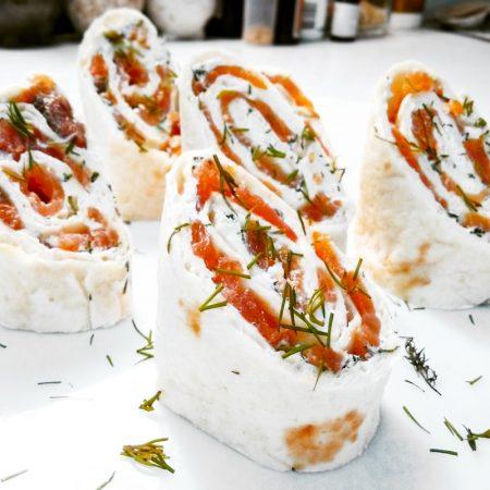 Fitness tortillové jednohubky s lososem - zdravý recept Bajola