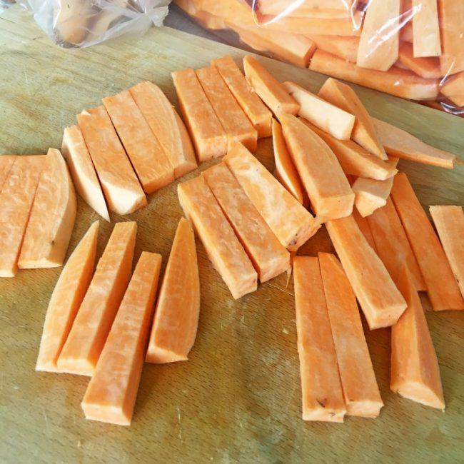 Jak nakrájet batáty na hranolky snadno a rychle