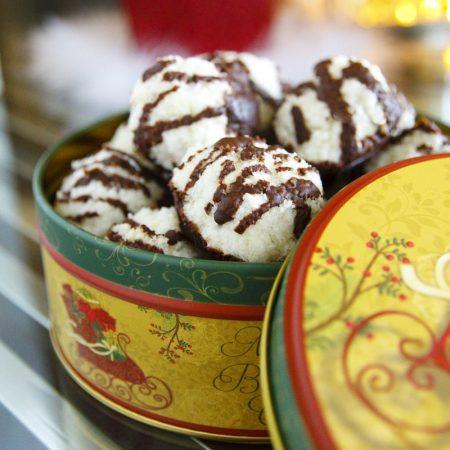 Zdravé kokosky bez cukru - vánoční cukroví recept Bajola