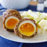 Fitness čevabčiči plněné vejcem - zdravý recept Bajola