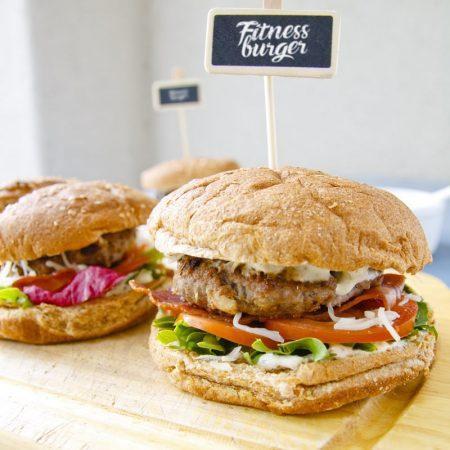 Fitness hamburger hovězí nebo krůtí - zdravý fit recept Bajola