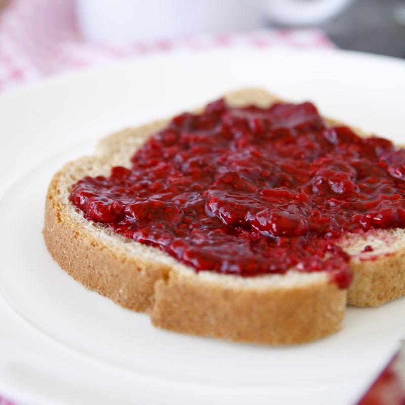 Zdravá chia marmeláda džem bez cukru - domácí recept Bajola