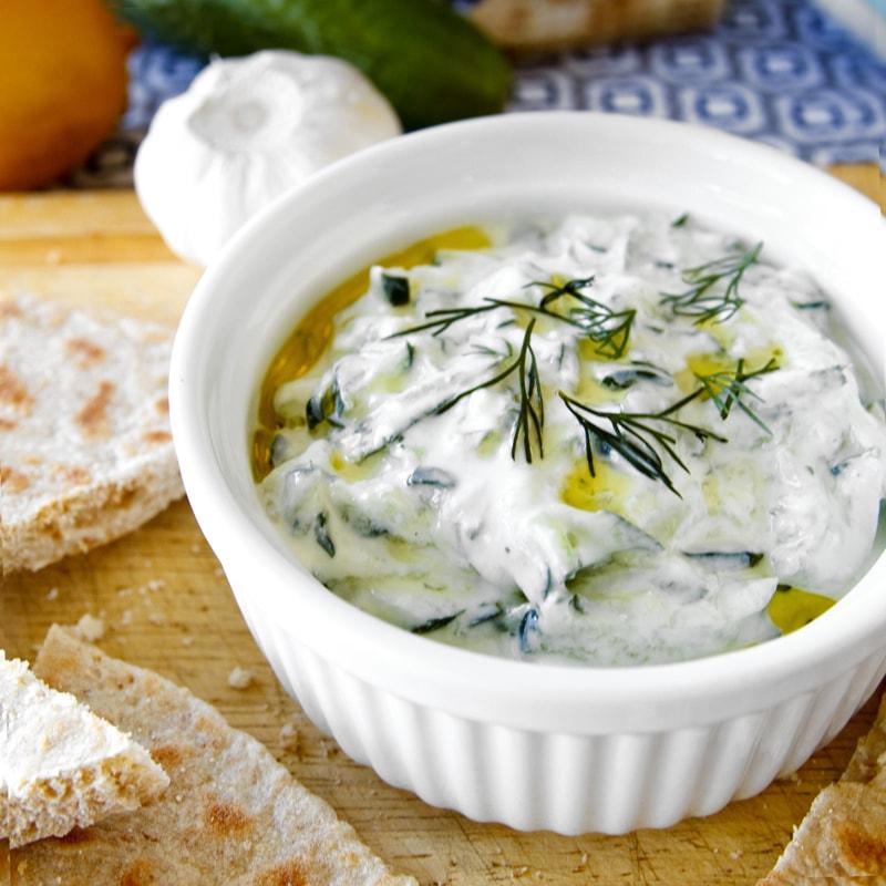Fit řecké okurkové tzatziki - recept Bajola