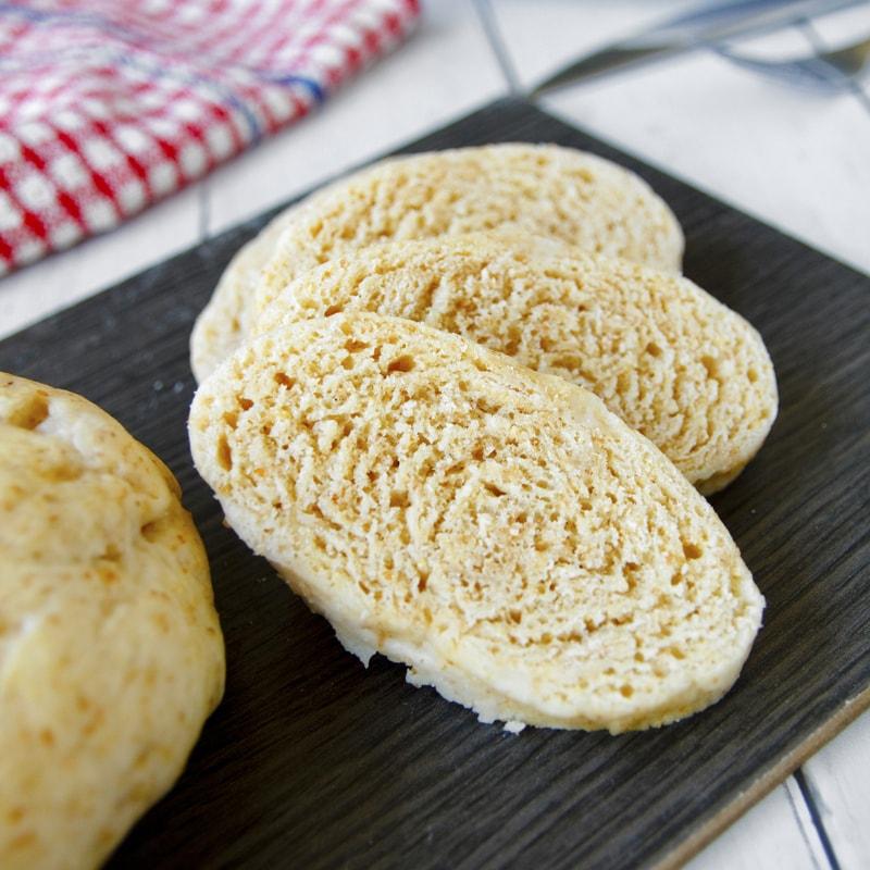 Fit domácí celozrnný houskový knedlík - recept Bajola